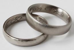 Symbolgravur für Eheringe aus öko-fairtrade Gold